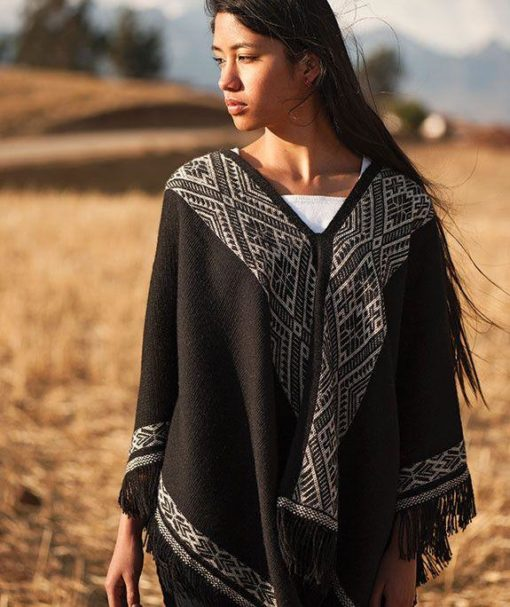 poncho threads of peru